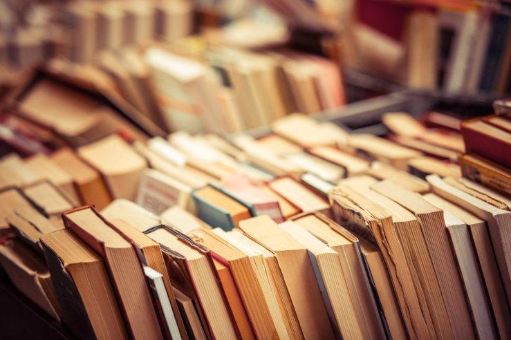 20150903173413-books-shop-fair-library-used-bookshelf-literature-study-textbooks